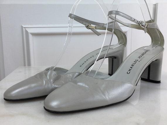 Charles Jourdan Paris Silvery Gray Leather 1980s / 1990s Mary Jane Heels Size 8 (SKU 10295SH)