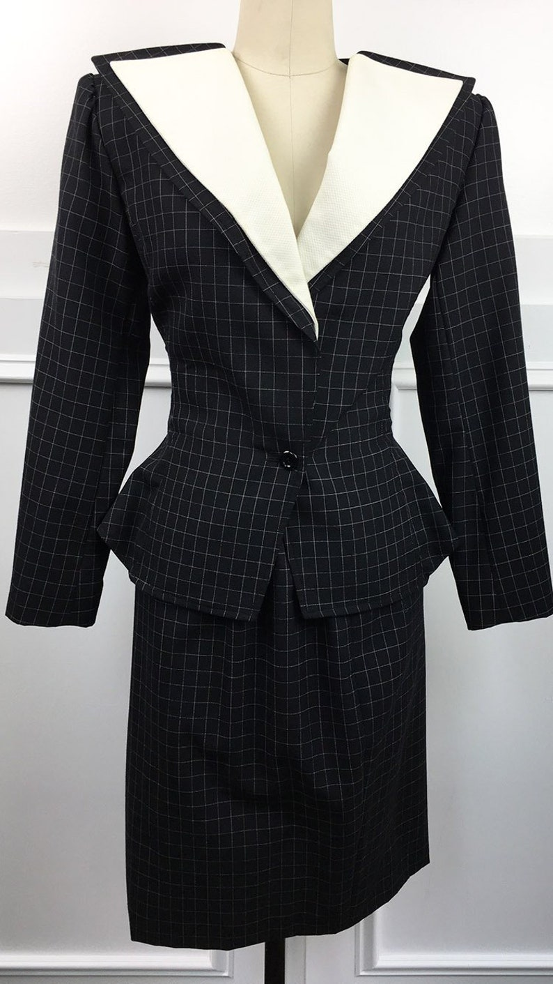 SKU 10719CL Ungaro Parallele PARIS 1980s 1999s Dark Charcoal Windowpane Skirt Suit\u2014Size US 6