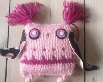 Hand knitted pink purple owl – Nursery décor – Birthday gift - Graduation owl gift -Thank you gift - Bookshelf décor - Stuffed owl ornament