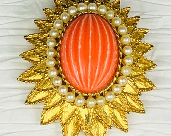 Vintage Emmons Brooch Pin Gold Tone Salmon Colored Fluted Stone Faux Pearls gift for her
