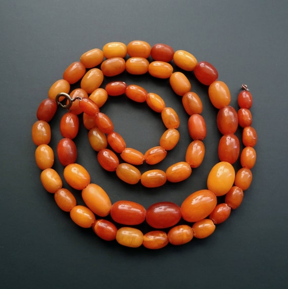 Baltic Amber Vintage Necklace Beads. Egg Yolk Butterscotch Color. Weight ~ 45.50 g. 老琥珀 #ET0493
