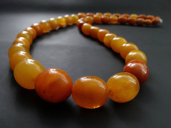 Baltic Amber Old Olive Vintage Necklace Beads. Weight ~ 52 g. 老琥珀 #ET0176