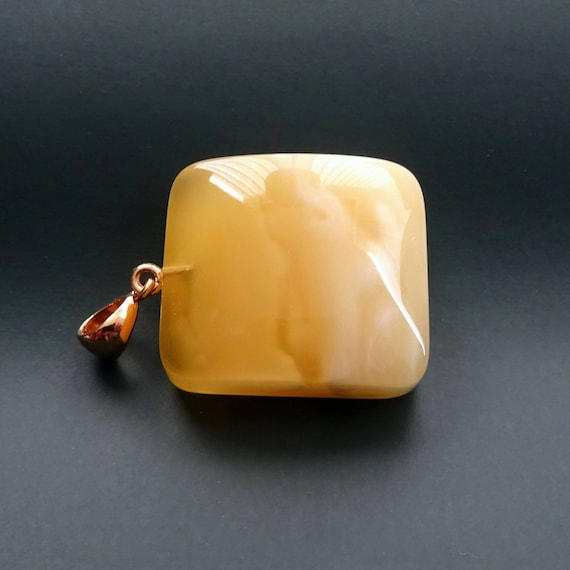 Baltic Amber Beautiful Pendant. Weight ~ 7,77 g. 天然琥珀 #ET0517