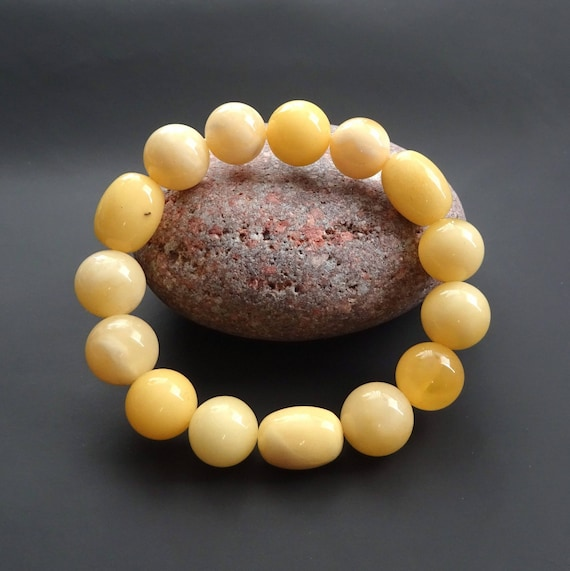 Baltic Amber Round Beads Bracelet. Egg Yolk Color. Beads ~ 13 mm. 天然琥珀 #ET0088
