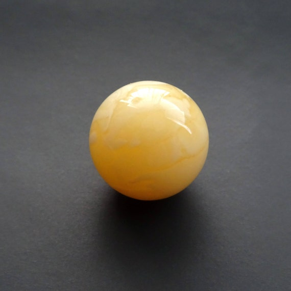 Amber Ball. Size ~ 17,14 mm. Without Hole. Weight ~ 2,82 g. 天然琥珀 #ET0260