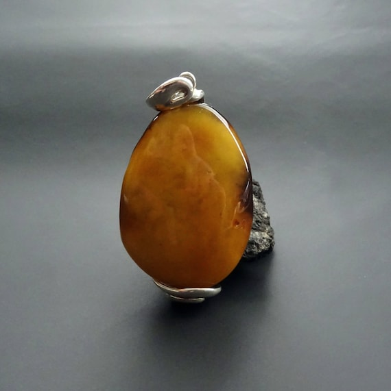 Baltic Amber Beautiful Pendant. Weight ~ 14,61 g. 天然琥珀 #ET0339