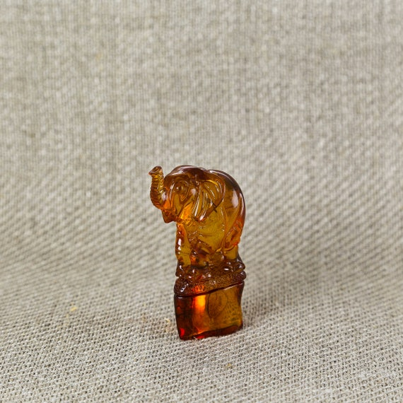 Elephant cognac IBY Weight 13g.
