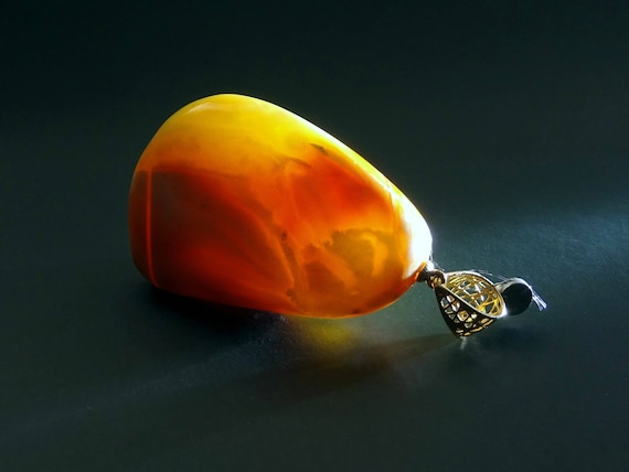 Baltic Amber Beautiful Pendant. Unusual Color. Gold (585). Weight ~ 12 g. 天然琥珀 #ET0456