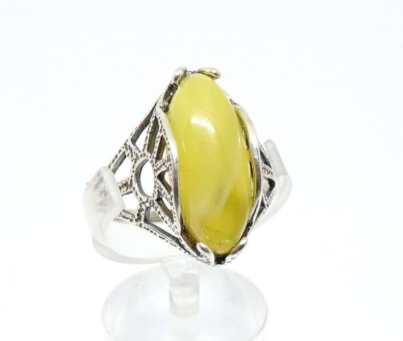 Baltic Amber Egg Yolk Color Beautiful Silver (925) Ring. Size 18.00 mm. Weight ~ 3.10 g. 天然琥珀 #ET0168