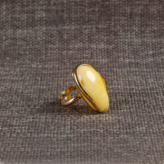 Baltic Amber Beautiful Gold plated yellow Ring 11.6 g.