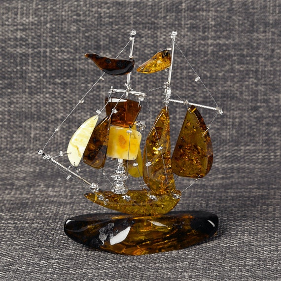 Ships made of Baltic Amber. Weight 68 gram