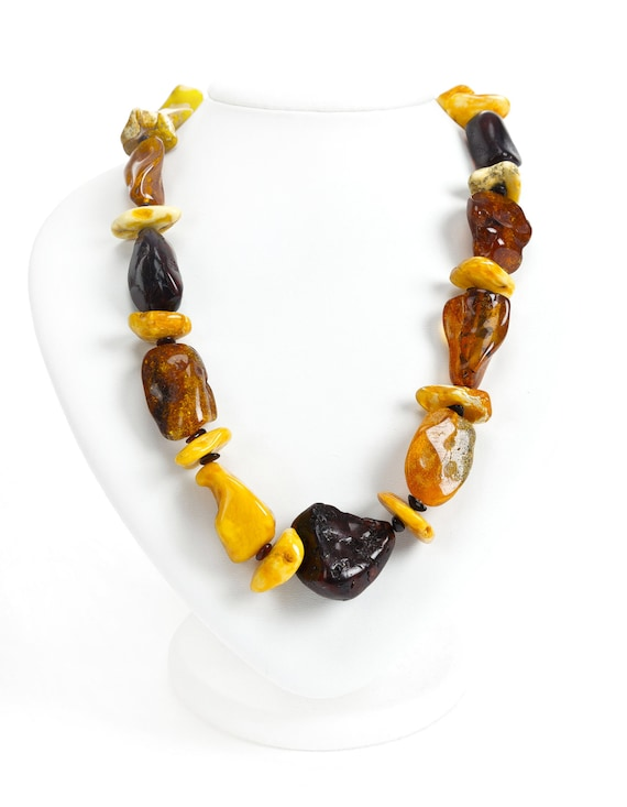 Baltic Amber Necklace. Weight 0.068 g.