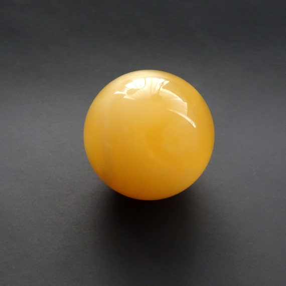 Amber Ball. Size ~ 24,61 mm. With Hole. Weight ~ 8,32 g. 天然琥珀 #ET0254