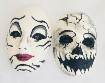 cool bath bomb set,hand painted horror fizzy,life and death,unique gift for mom,creepy cute,engagement gifts for couple,beauty and beast