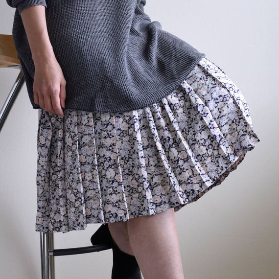 slip dress with floral pleats skirt - image 3