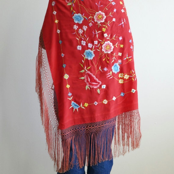 1930s Red Embroidered Piano Shawl - image 2