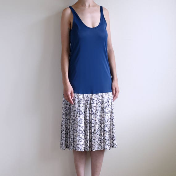 slip dress with floral pleats skirt - image 4