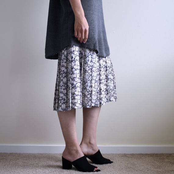 slip dress with floral pleats skirt - image 1
