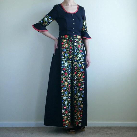 Flower embroidery bell sleeve maxi dress German dress S