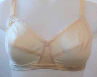 f01671fbc28e7 True Vintage Mary Jane Champagne color 34E Nursing bra 100% Pima cotton