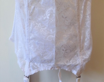 d5954eebf A vintage size 36D white wedding bustier made by Goddess with the original  garters
