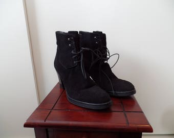 Prada pre-owned 39.5 or 9  1/2 black suede ankle boots 1990's ?