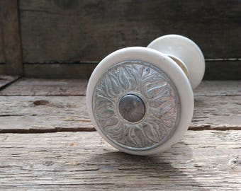 Set of 2 white ceramic handleSoviet Vintage door knobsVintage ceramic Door Handles & Ceramic door plates | Etsy