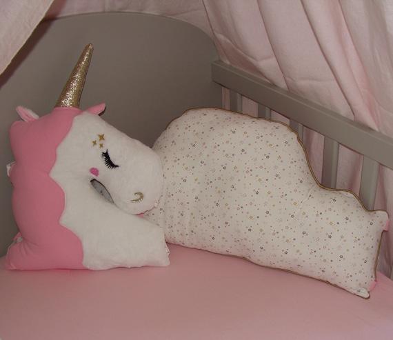 Tour de lit bébé fille thème Licorne et nuage rose et or motifs étoiles  **SUR COMMANDE**