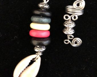 Beautiful  loc jewel set made with cowrie shells and wooden beads