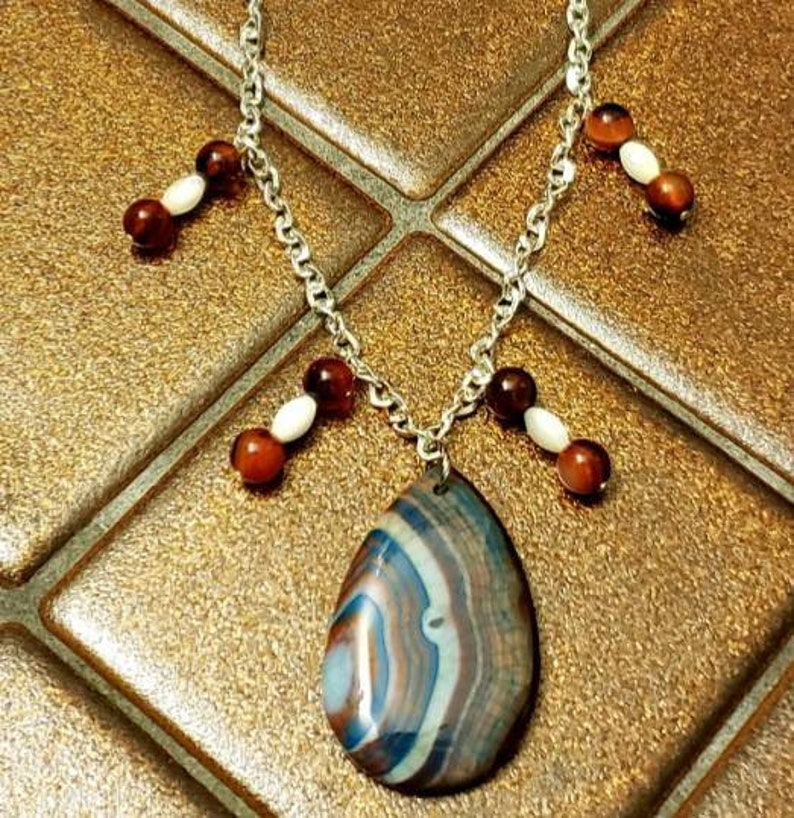 Dragon Vein Agate Ruby and Mother of Pearl Necklace image 0