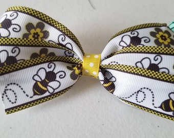 Busy Bees Bow