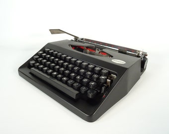Vintage Working Typewriter / Portable Typewriter With Case / Condor / Black Typewriter / Typing Machine / Retro Manual Typewriter