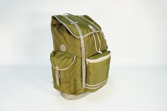 Vintage Backpack / 70s Green Backpack / Vintage Ru