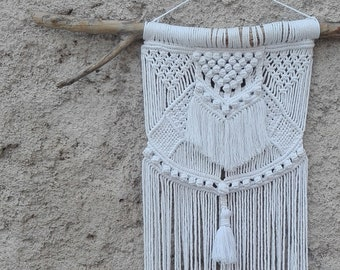 "Macrame Wall Hanging ""BIRD"" || White macre tapestry arras || Bohemian furniture || Boho home design || SpiritoDelBosco"