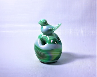 Gibson Glass Bird Pencil Holder Paperweight Iridescent Green white Slag Glass Milton WV 1985