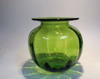 Blenko Glass 8725S optic vase in kiwi green, Don Shepherd design