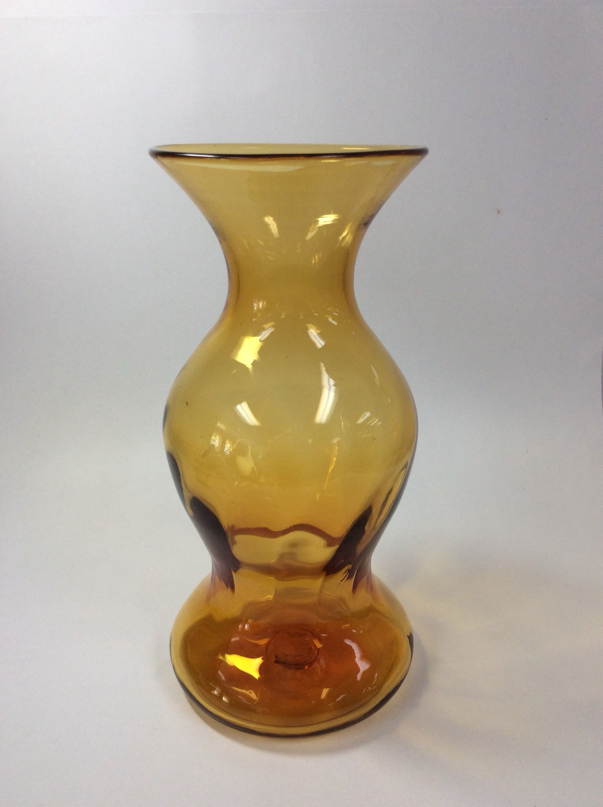 Blenko Gl 6810 hand blown optic vase wheat amber, Joel Myers on blenko bubble vase, blenko small vase, blenko handmade vase, blenko hourglass vase, blenko amber vase, blenko blue vase, blenko ruffled vase, blenko clear vase, blenko green vase, blenko 1957 19 1 2 vase, blenko amethyst vase, blenko tangerine vase,