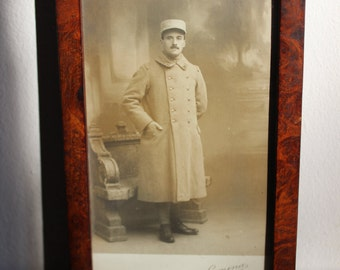Framed photograph in sepia of French soldier, First World War vintage French. Soldat, poilu, cadre
