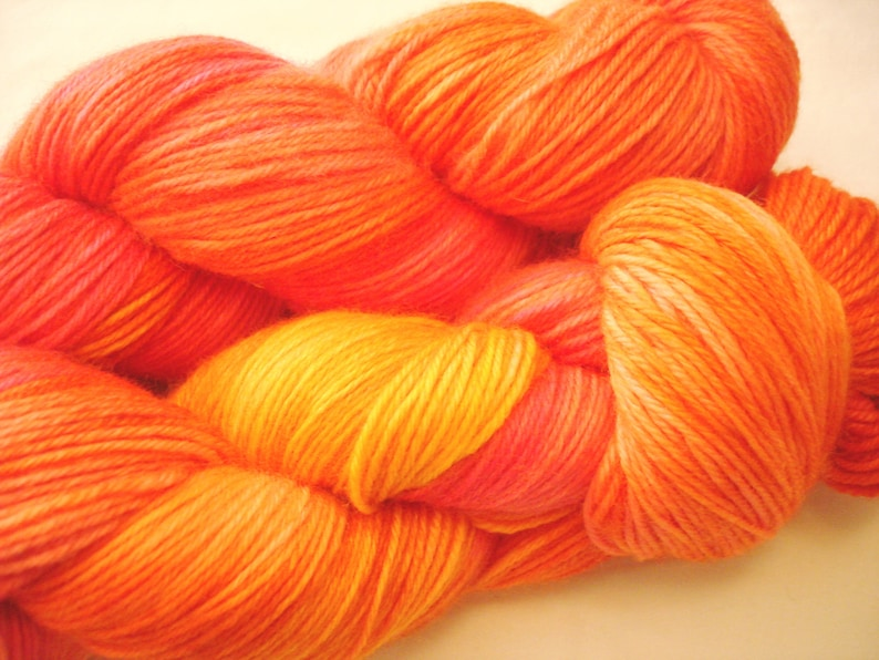 Colorway Hand Dyed Yarn Hawaii Test Variegated Speckled Sprinkles A Guy Two Needles AG2N