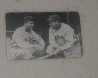 Lou Gehrig & Babe Ruth red cross tobacco card