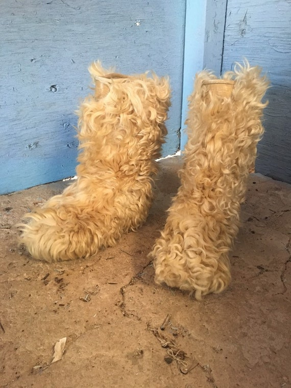 Vintage curly fur boots sheeps wool gogo boots wom