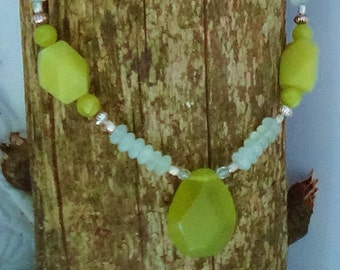 Handbeaded green faceted stone necklace