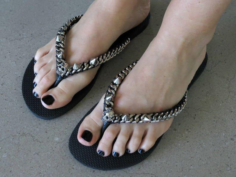 465f66826 Black Flip Flop Beach Sandals Silver Girl skull Sandals