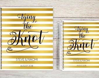 Custom Wedding Planner, Keepsake Planner, Wedding Planning Guide, Wedding Planner Book, Bride to be Present, Engagement Gift, Gold Stripe