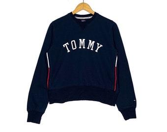 b3c2469f96291 Vintage Tommy Hilfiger Crop Top Sweatshirt Big Logo Blue Colour Small Size  Sweater Jacket Shirt Jumpe Pullover Vintage 90 s Streetwear