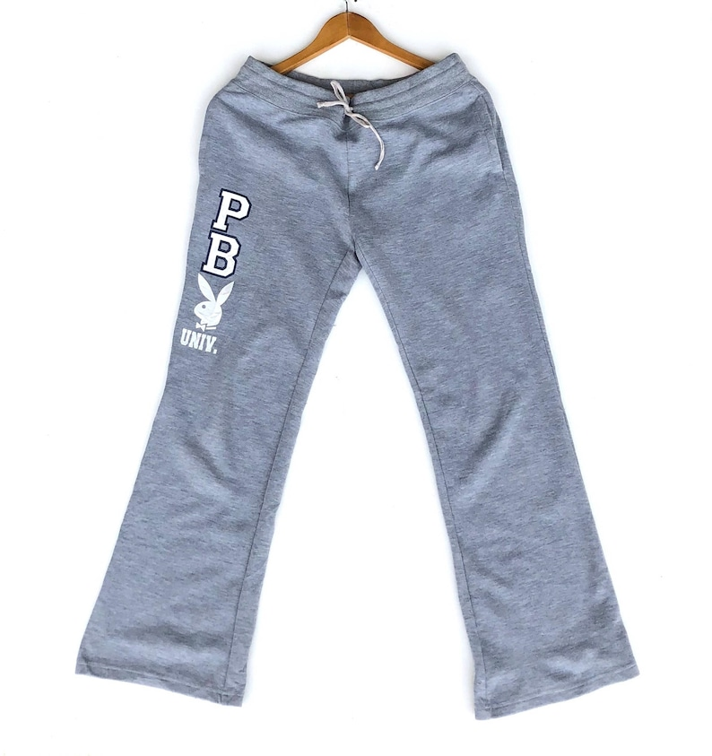 a29fddd585208b Playboy Bunny Damen Jogginghose großes Logo buchstabieren grau