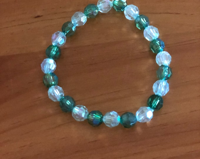 Green and White Beaded Bracelet