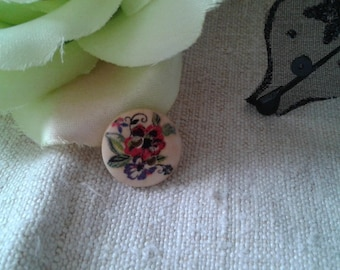 set of 8 floral buttons