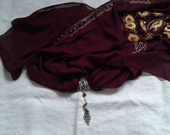 scarf Burgundy Peacock and his jewelry silver