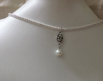 """""""White Ribbon and flower connector"""" Choker necklace"""